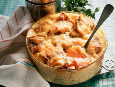 Рецепт картофельного пюре, запеченного с сыром, луком и помидорами