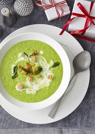 Рецепт нежного супа из горошка и зелени