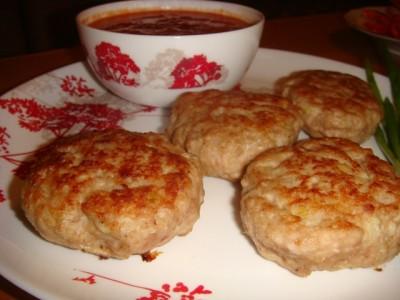 Рецепт котлет с овсяными хлопьями и соусом чили
