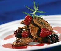 Рецепт утиного филе под соусом из летних ягод