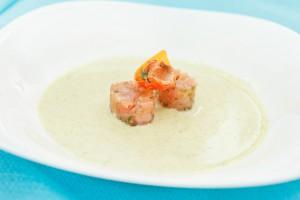 Рецепт - Вкусный сырный суп вместе с лососем