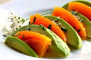 Рецепт - Салат из авокадо и помидоров