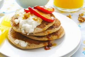 Рецепт - Творожные оладьи с яблоками на 14 февраля