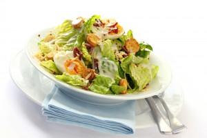 Рецепт - Яичный салат с зеленью и сыром