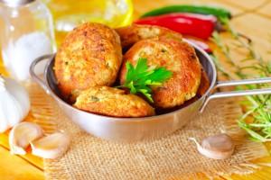 Рецепт - Котлеты из индейки по-итальянски