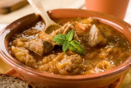 Как готовить гуляш из свинины. Рецепт приготовления вкусного гуляша из свинины – смотрите видео.