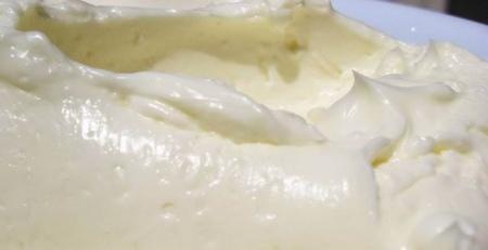 Масляно-сгущенный крем. Рецепт крема из масла и сгущенки