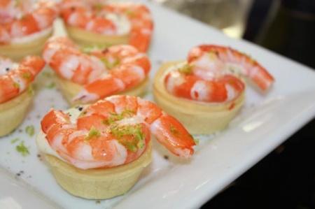 Запеченные креветки в тарталетках. Как приготовить необычную и очень вкусную закуску из морепродуктов?