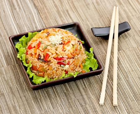 Рис с морепродуктами. Рецепт приготовления ароматного и вкусного блюда.
