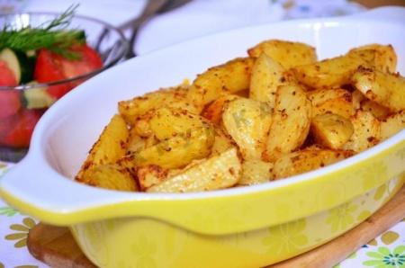 Картофель жареный с чесноком