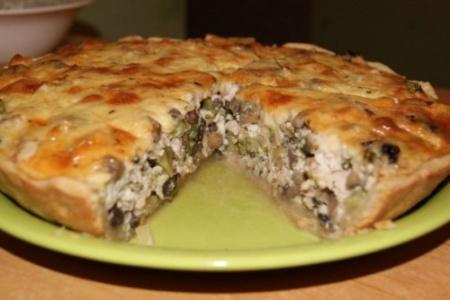 Капустный пирог с мясом и овощами